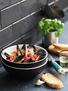 fotografare il cibo zuppa pesce